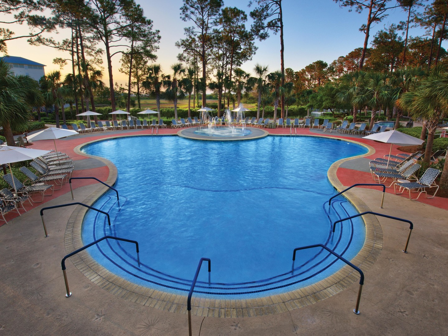 Marriott's SurfWatch<span class='trademark'>®</span> High Tides Pool. Marriott's SurfWatch<span class='trademark'>®</span> is located in Hilton Head Island, South Carolina United States.