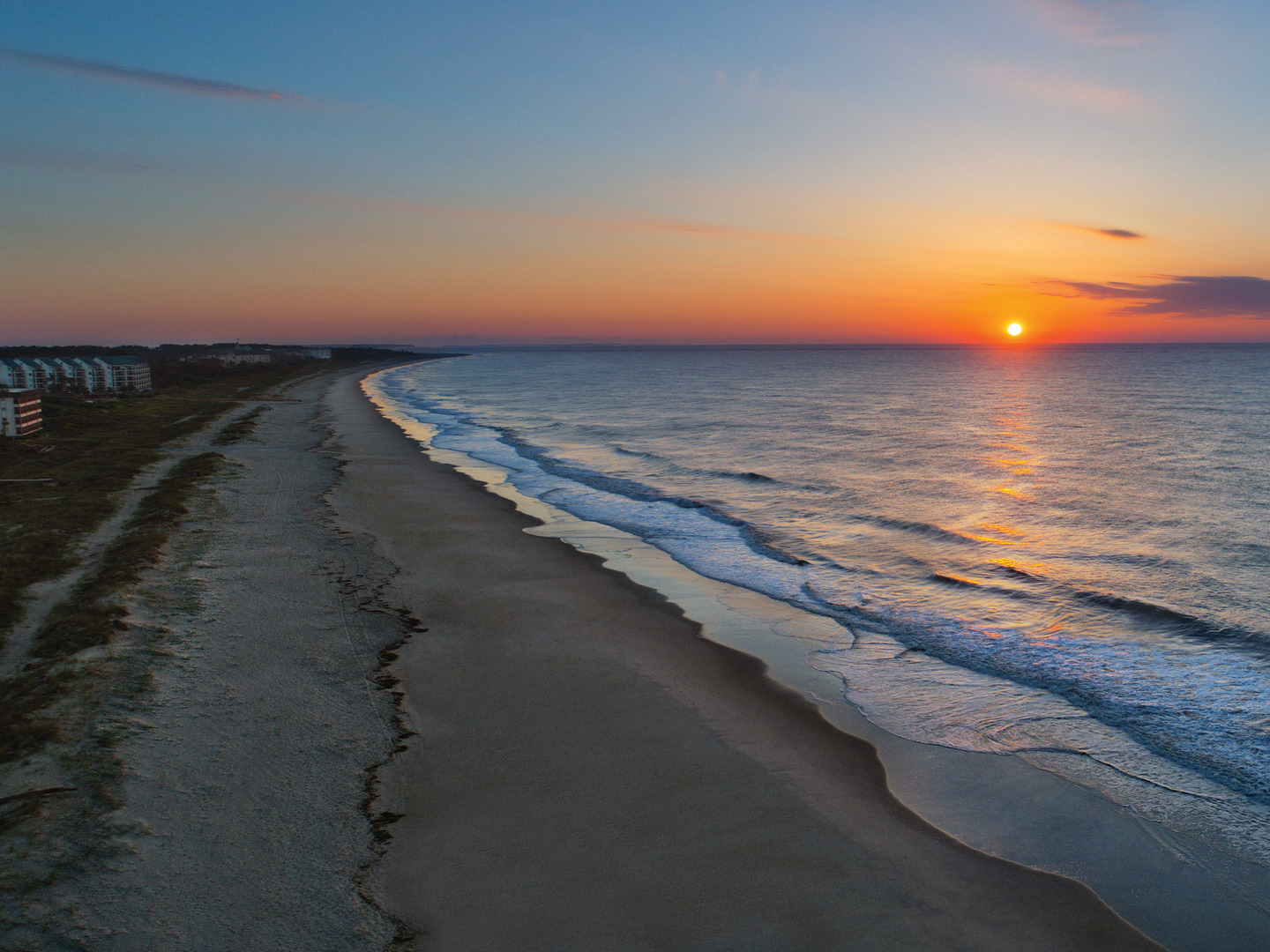 Marriott's SurfWatch<span class='trademark'>®</span> Sunset View from Beachfront. Marriott's SurfWatch<span class='trademark'>®</span> is located in Hilton Head Island, South Carolina United States.