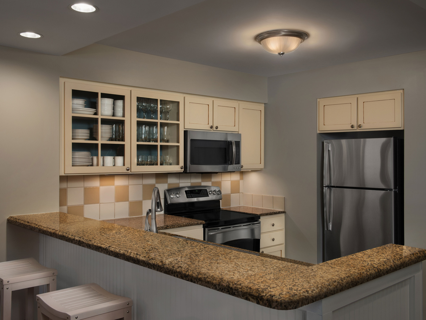 Marriott's SurfWatch<span class='trademark'>®</span> Villa Kitchen. Marriott's SurfWatch<span class='trademark'>®</span> is located in Hilton Head Island, South Carolina United States.