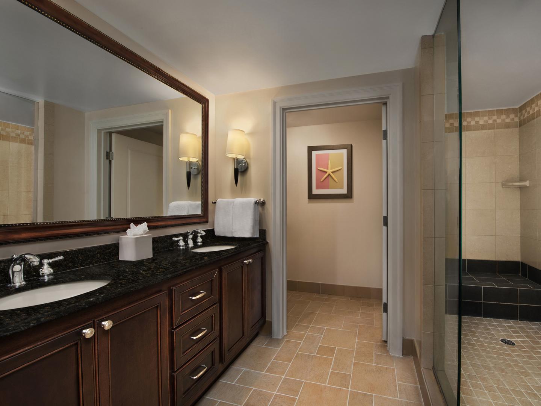 Marriott's SurfWatch<span class='trademark'>®</span> Villa Master Bathroom. Marriott's SurfWatch<span class='trademark'>®</span> is located in Hilton Head Island, South Carolina United States.