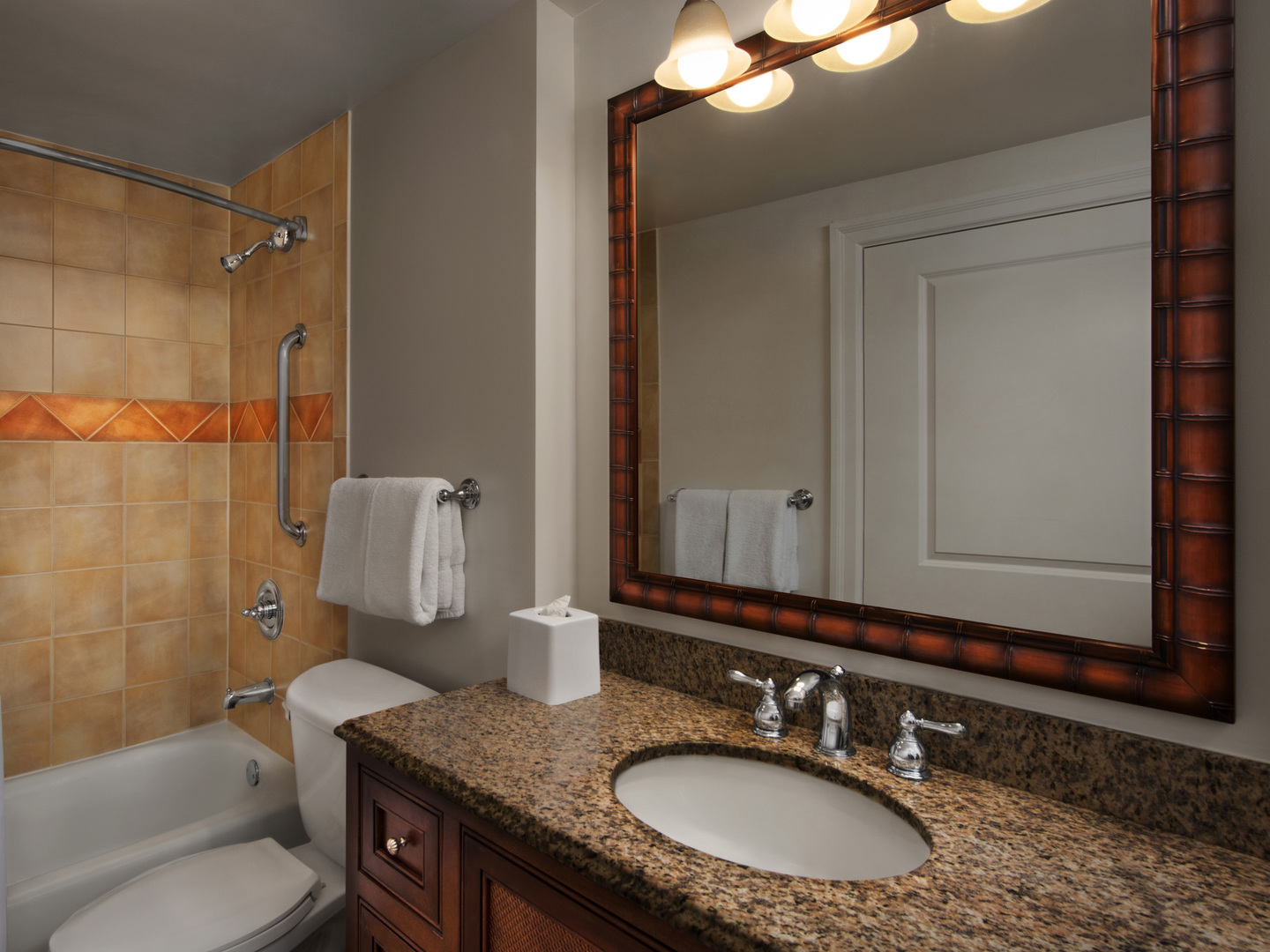 Marriott's SurfWatch<span class='trademark'>®</span> Villa 2nd Bathroom. Marriott's SurfWatch<span class='trademark'>®</span> is located in Hilton Head Island, South Carolina United States.