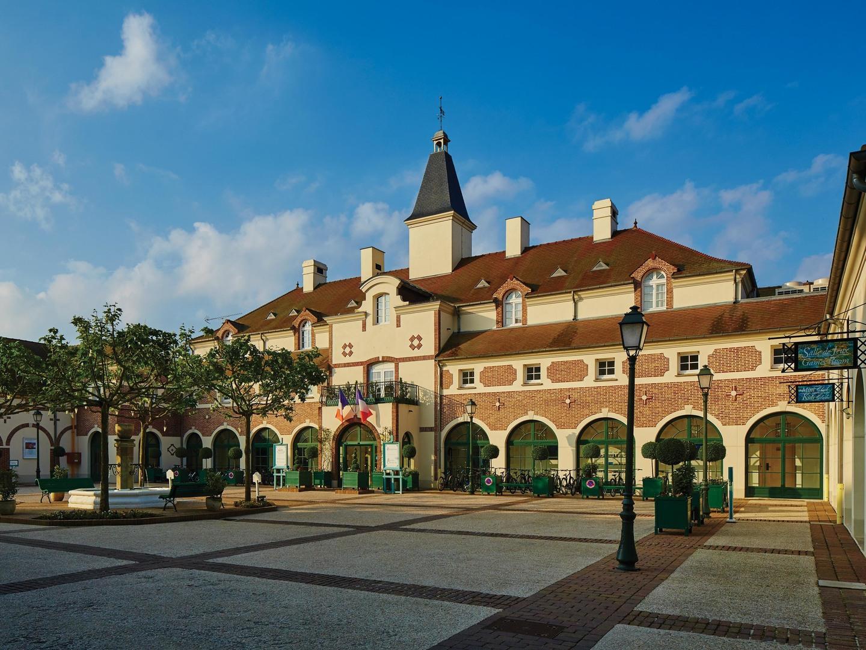 Marriott's Village d'Ile-de-France Resort Exterior. Marriott's Village d'Ile-de-France is located in Bailly-Romainvilliers,  France.