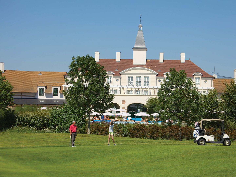 Marriott's Village d'Ile-de-France Golf. Marriott's Village d'Ile-de-France is located in Bailly-Romainvilliers,  France.
